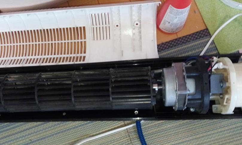 タワー型扇風機の分解